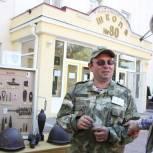 На избирательном участке в школе Ростова-на-Дону открыли выставку находок военных лет