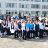 Сайгидахмед Ахмедов поздравил с Днем знаний школьников города Кизилюрта