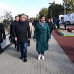 Игорь Руденя, Владимир Васильев и Юлия Саранова осмотрели благоустроенную Мигаловскую набережную в Твери