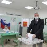 Андрей Луценко голосовал сегодня в Череповце в школе № 40