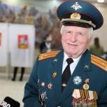 Участник Парада Победы 1945 года Константин Федотов проголосовал на выборах в Одинцово