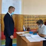 Сенатор Владимир Кравченко проголосовал в Первомайском