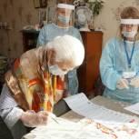 В Кузбассе 100-летняя участница войны проголосовала на выборах