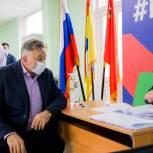 Олег Жолобов отдал свой голос на избирательном участке в Домодедове