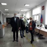Депутат Государственной Думы Виталий Бахметьев проинспектировал избирательный участок №1353 города Магнитогорска