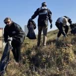 Тюменские молодогвардейцы очистили 25 водоемов области
