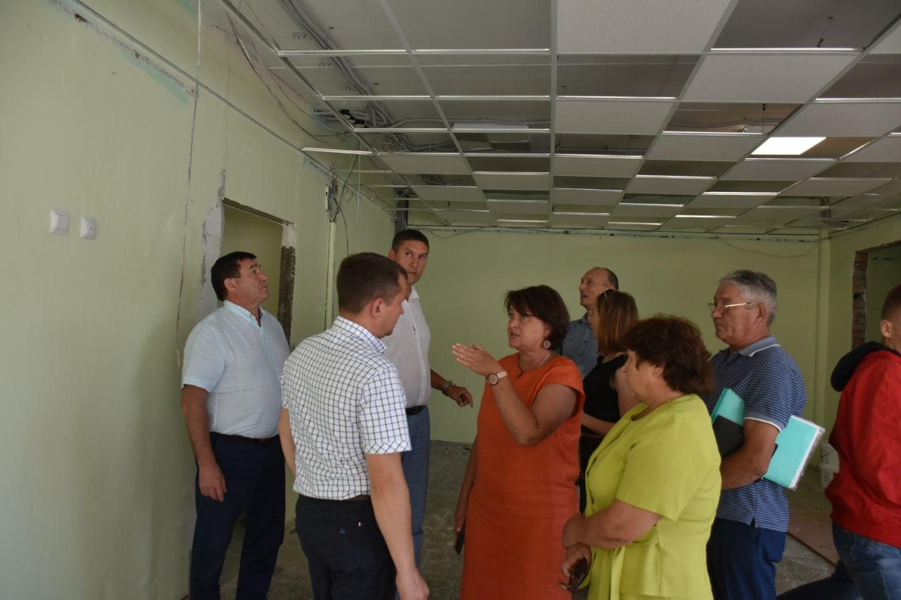 Осмотр ремонтных работ в Козловской школе №3