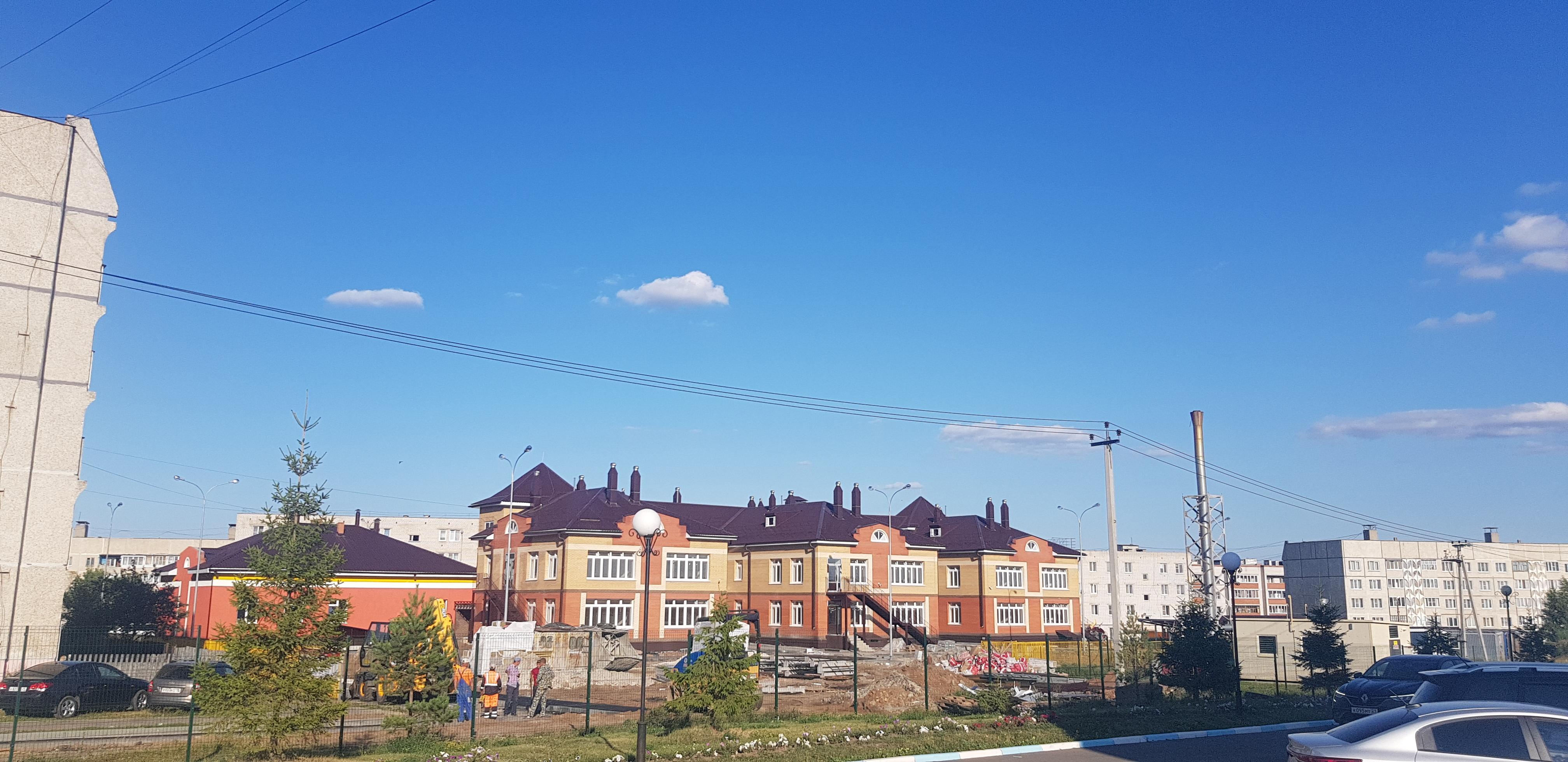 Здание нового детского сада в Козловке, который заработает через месяц