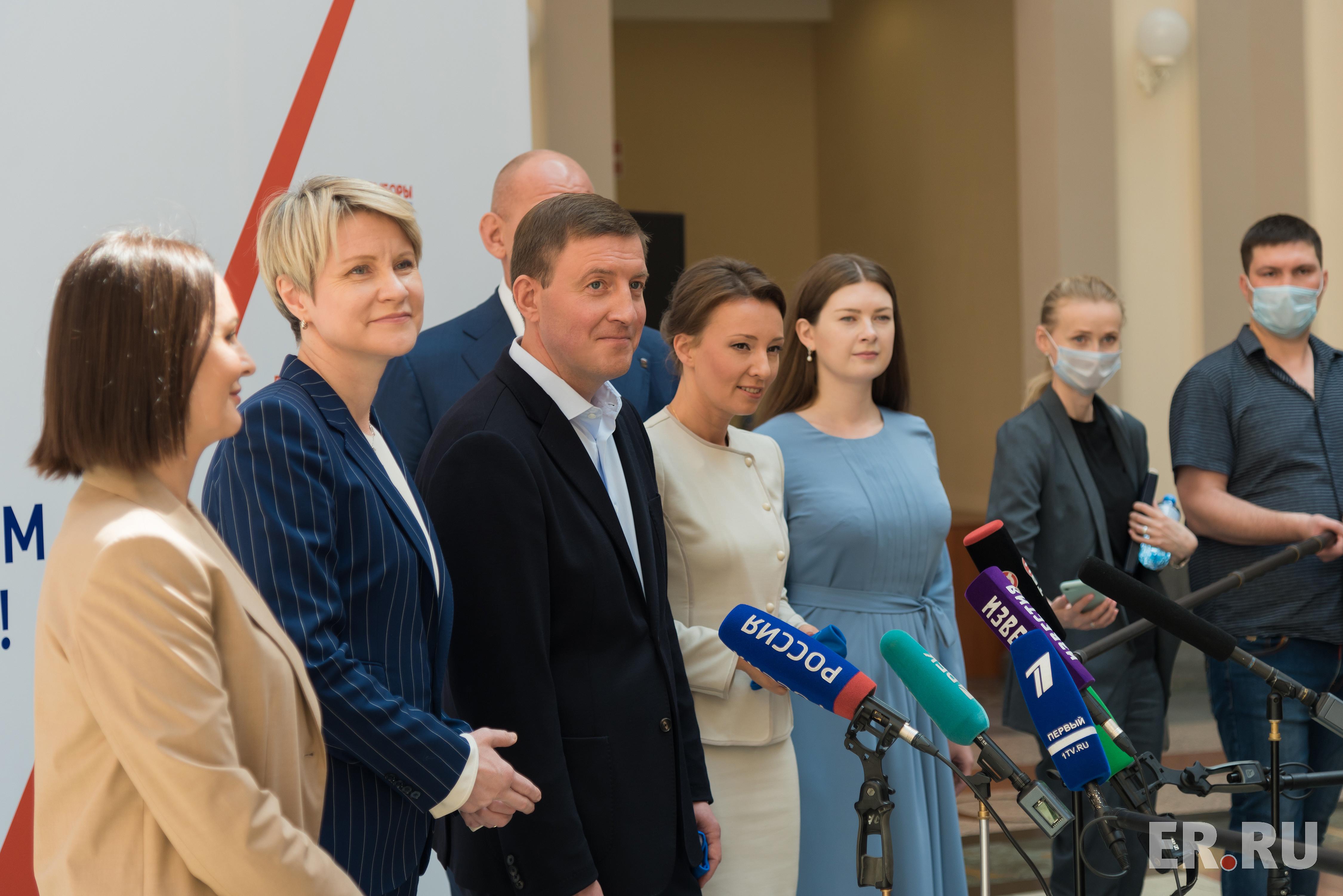 «Единая Россия» подала в Центризбирком документы о выдвижении кандидатов на выборы в Госдуму