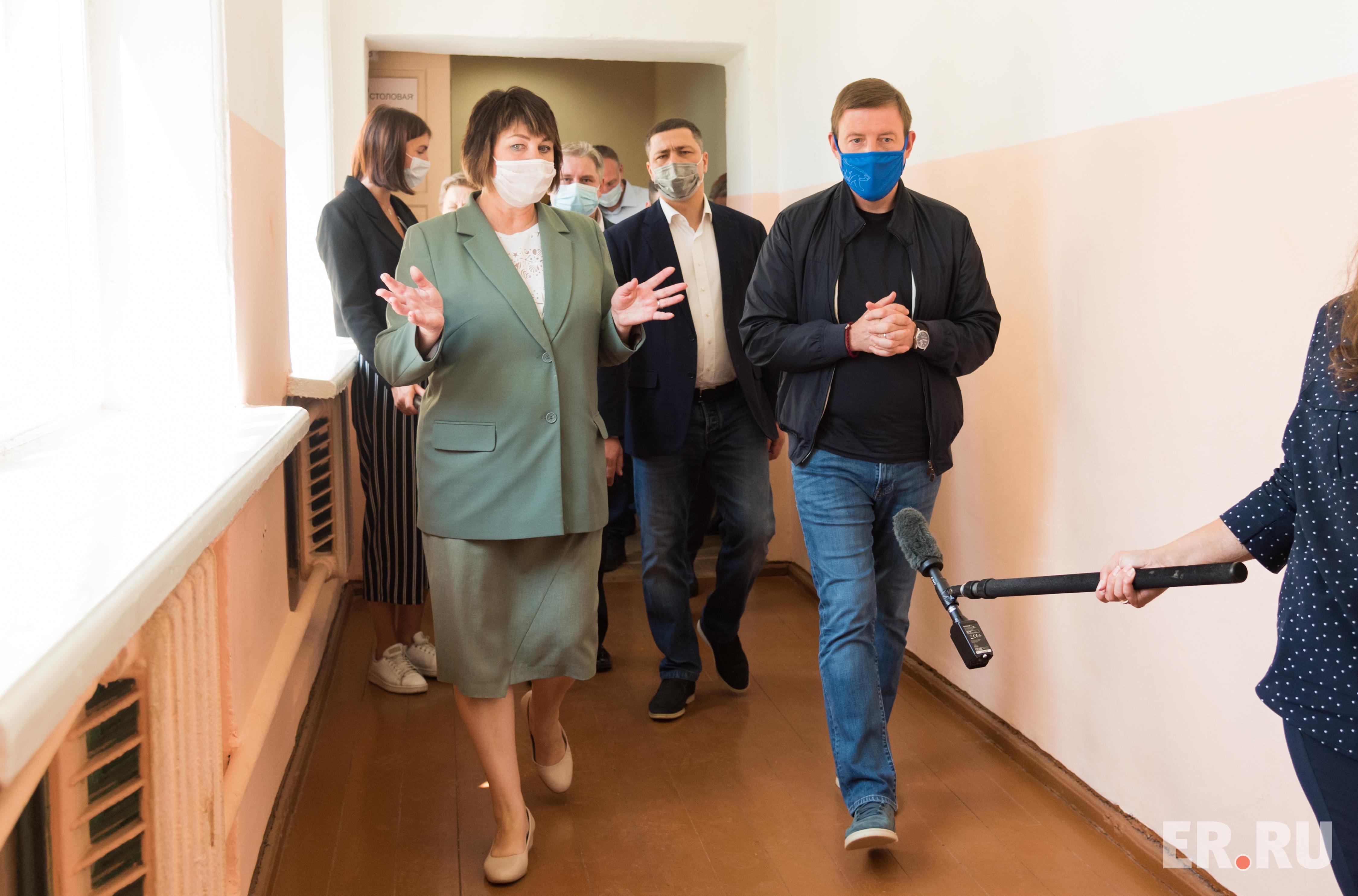Андрей Турчак посетил cреднюю общеобразовательную школу в деревне Родина Псковского района