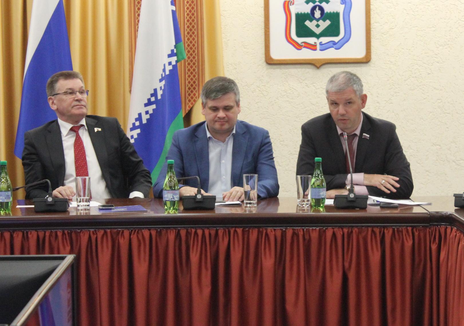 Выступает депутат Архангельского областного собрания Михаил Кисляков