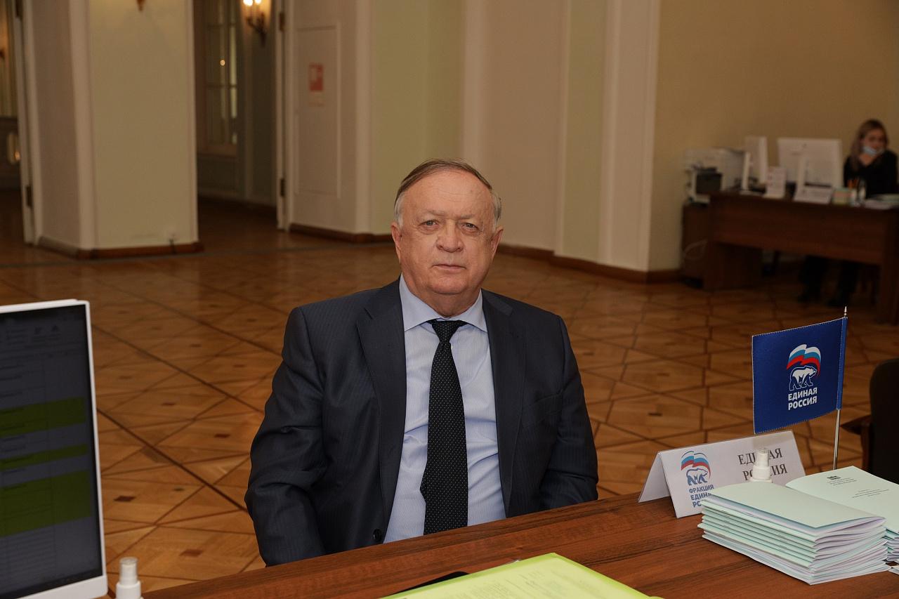 Виктор Заварзин