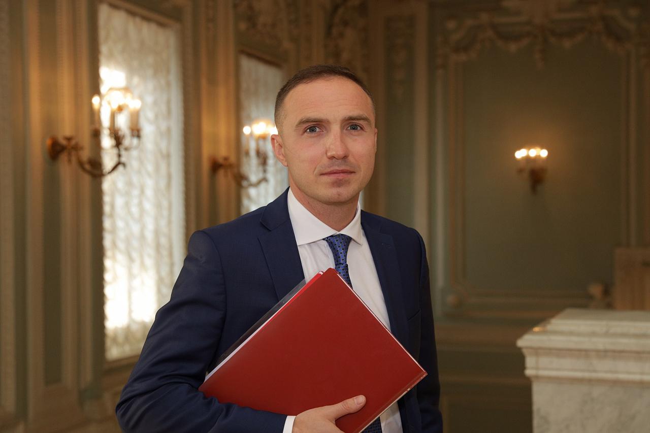 Антон Басанский
