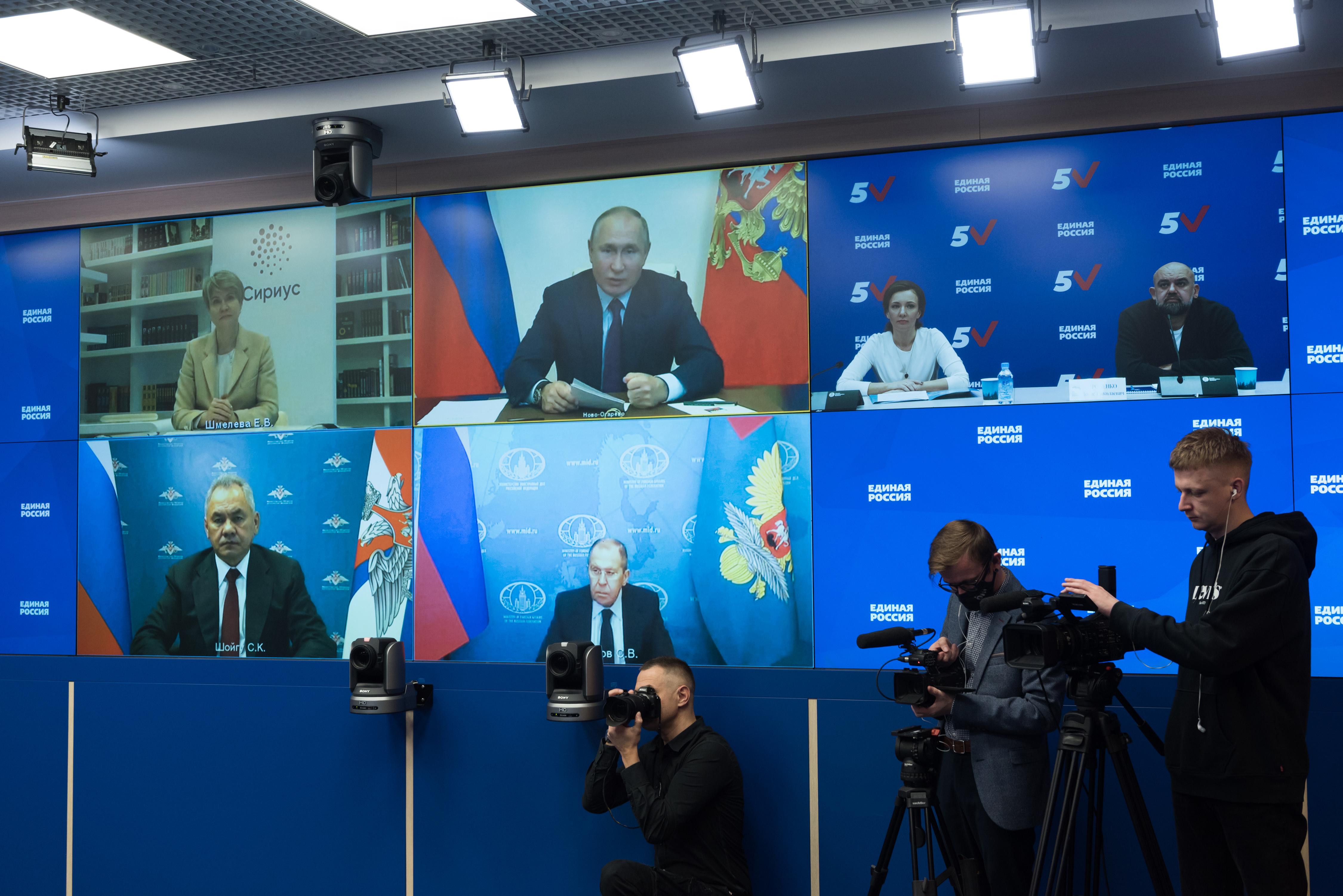 Встреча Владимира Путина с лидерами предвыборного списка «Единой России»