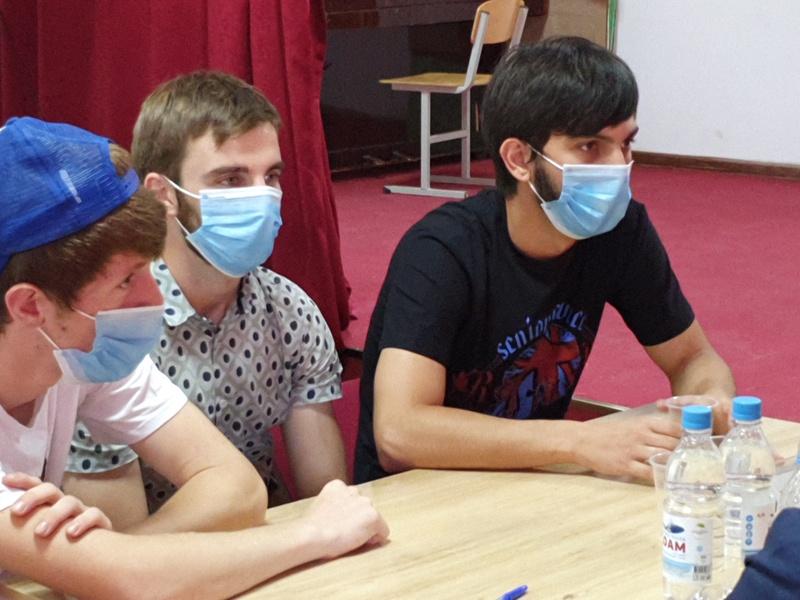 В Сунже состоялась интеллектуальная игра «РосКвиз», приуроченная ко Дню государственного флага