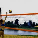 В Сыктывкаре стартовал городской чемпионат по пляжному волейболу