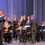 В преддверии Дня Победы состоялся сольный концерт Антона Минаева