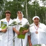 Депутаты ЕР наградили победителей конкурса машинного доения коров