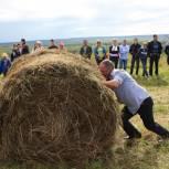 Сельскому клубу села Вотча подарили мультимедийное оборудование от Партии