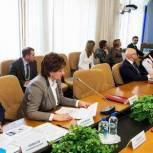 Губернатор области провел заседание совета по реализации приоритетных национальных проектов и демографической политике