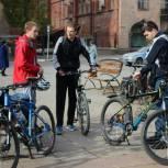 Молодогвардейцы организовали велопробег по улицам Саратова