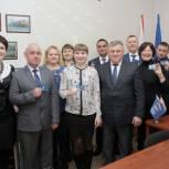 Федор Шишкин вручил партийные билеты ишимцам