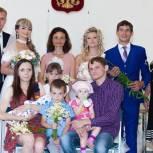 В рамках партпроекта «Крепкая семья» в День семьи, любви и верности в Саратове и области состоялся ряд праздничных мероприятий