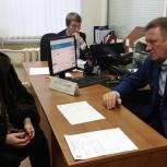 Жители Рязани пришли на прием к Олегу Смирнову