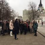 Активисты «Любимого города» провели для саратовцев экскурсию по новой пешеходной зоне