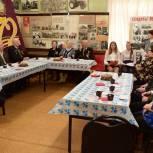 Липецкие партийцы поздравили ветеранов с наступающим праздником
