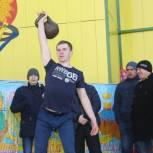 Питерские партийцы организовали праздничные мероприятия
