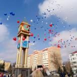 Подольчане отметили годовщину вхождения Крыма в состав России флешмобом