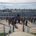 Депутаты организовали для ветеранов прогулку на теплоходе