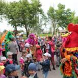 В День защиты детей юным жителям Аркадака показали спектакль