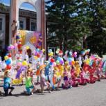 Виталий Щербаков поздравил тальменцев с Днем защиты детей