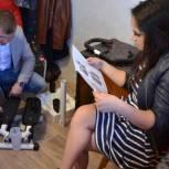 Благодаря проекту «СтудФонд» студентке-инвалиду приобрели тренажер для мышц ног