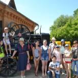 В Змеиногорске партийцы организовали музейную экскурсию