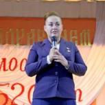 Депутат Госдумы Елена Серова поздравила жителей луховицкого поселка Белоомут с его 520-летием