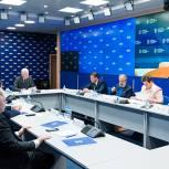 Турчак высоко оценил эффективность встреч с секретарями политсоветов и руководителями РИК Партии