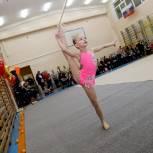 «Детский спорт» провел первенство по художественной гимнастике на призы Деда Мороза и Снегурочки