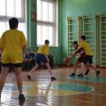 В Рудне разыграли очередную путевку в финал школьного баскетбольного чемпионата