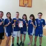 В Большесолдатском районе партиец организовал соревнования по баскетболу