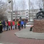 Ленинский район:  партийцы  провели  экскурсию в рамках акции «Звезда памяти»
