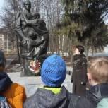 Ленинский район: партийцы продолжают акцию «Звезда памяти»