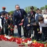 """В акции """"Звезда памяти"""" приняли участие более 12.000 школьников"""
