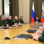 Глава государства: Нужно последовательно модернизировать армию и флот