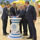 Депутаты Тюменской областной Думы приняли участие в открытии аквапарка «ЛетоЛето»