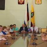 Елена Митина и Андрей Красов рассказали рязанским депутатам о пенсионной реформе