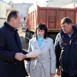 Сергей Керселян проверил ход работ по благоустройству сквера возле КДЦ «Первомайский» в Ивантеевке