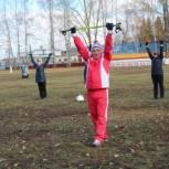 Жителей Урмарского района обучили скандинавской ходьбе